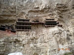 J12 Temple suspendu 4 temple accroché a falaise  69